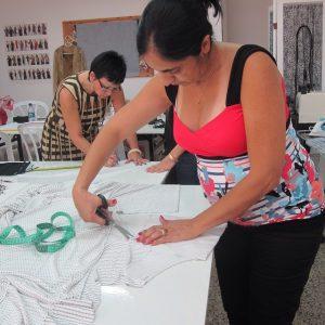 לימודי עיצוב אופנה ברחובות בבית הספר Fashions