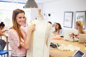 קורסי עיצוב אופנה בבית הספר למקצועות האופנה של אילנה ברטל