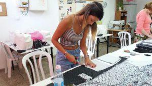 לימוד תפירה בבית הספר למקצועות האופנה אילנה ברטל
